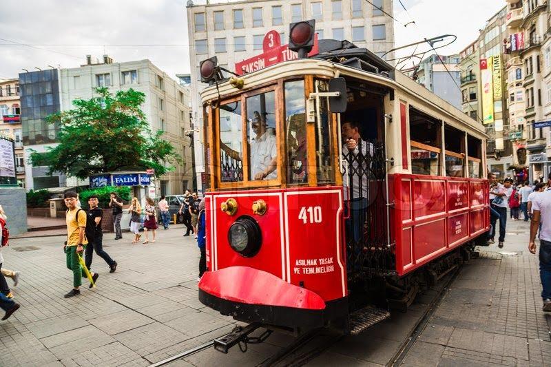استانبول شهری خلاق و همیشه بیداراست.در مورد این شهر حرفهای بسیاری داریم و چشم براه سفرنامه های جذاب شما هم هستیم