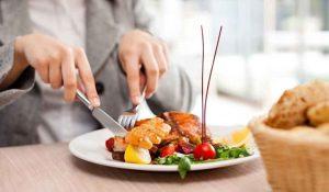 آداب غذاخوردن و حضور در رستوران
