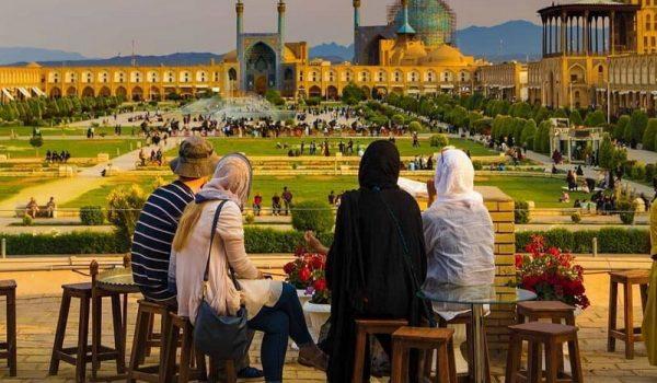 چکونه از صنعت گردشگری در دنیا عقب نیفتیم