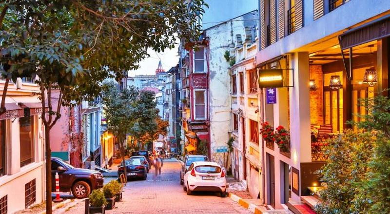 محله چوکورجوما  زوایای پنهان سفر به استانبول با طاها گشت